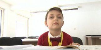 Гордост! 6-годишно българче стана шампион по математика в Тайланд