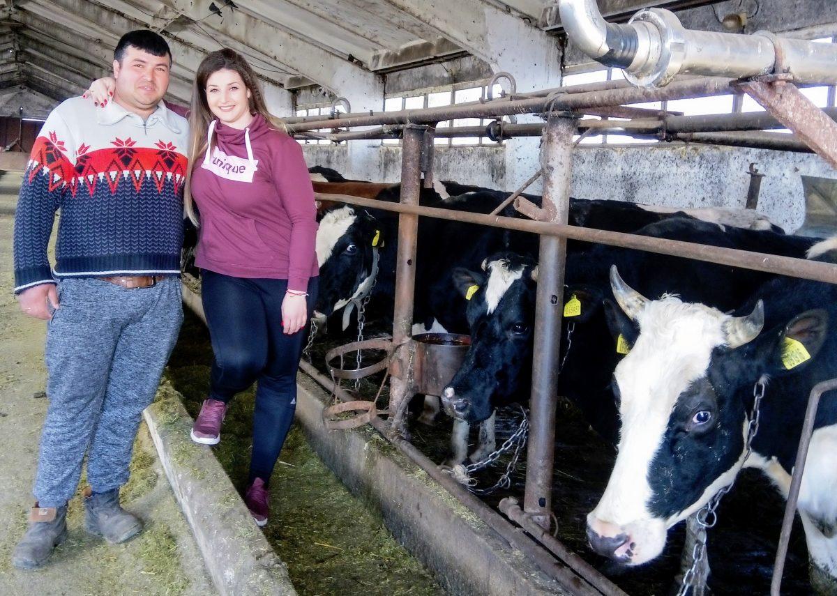 30-годишна с няколко дипломи гледа със съпруга си над 200 крави без европари