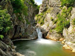 Мистериозните места в Стара планина! Приказният Сини вир и фаталната легенда за съкровището