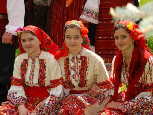 Магическата българска народна носия