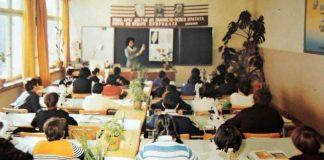 Когато учителката я нямаше, чистачката даваше задачите в клас.Спомените на един ученик през 70-те