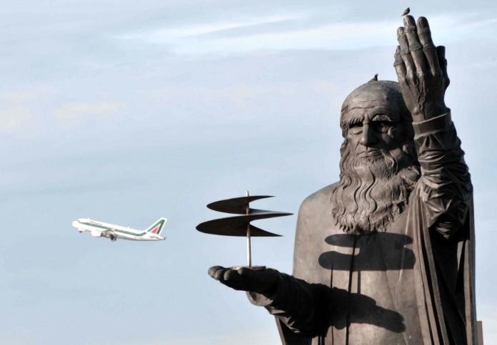 АСЕН ПЕЙКОВ, СКУЛПТОРЪТ НАПРАВИЛ СТАТУЯТА НА ЛЕОНАРДО ДА ВИНЧИ В РИМ